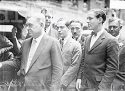 capital punishment and the murder trial of nathan f leopold and richard a loeb Nathan freudenthal leopold, jr (november 19, 1904 – august 29, 1971) and richard albert loeb (june 11, 1905 – january 28, 1936), more commonly known as leopold and loeb, were two wealthy university of michigan alumni and university of chicago students who murdered 14-year-old robert bobby franks in 1924 and were.